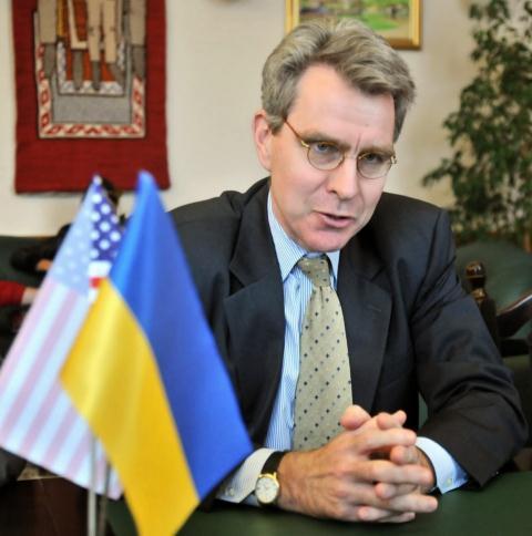 Tình hình Ukraine mới nhất cho biết Mỹ vừa bơm tiền vừa ép cải cách Ukraine