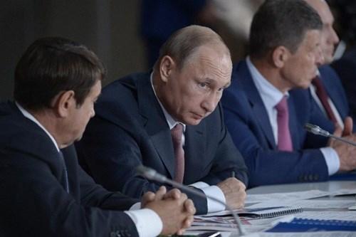 Ukraine phản đối gay gắt việc Tổng thống Nga thăm Crimea