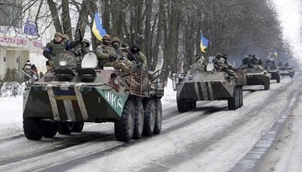 Kiev cho biết tình hình miền Đông tiếp tục diễn biến phức tạp bất chấp lệnh ngừng bắn