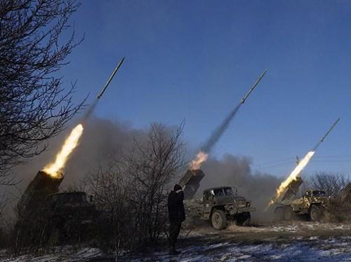Thượng viện Mỹ ký đạo luật viện trợ quân sự cho Ukraine