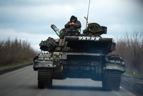 Tình hình Ukraine mới nhất cho biết NATO sôi sục cảnh báo quân ly khai Ukraine