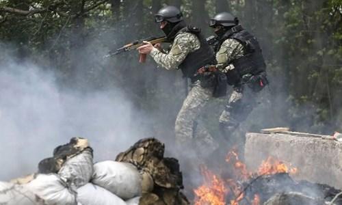 Giao tranh vẫn tiếp diễn tại Ukraine, bất chấp lệnh ngừng bắn