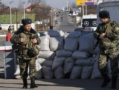 Tình hình Ukraine mới nhất cho biết Ukraine điều hàng nghìn quân đến khu vực biên giới