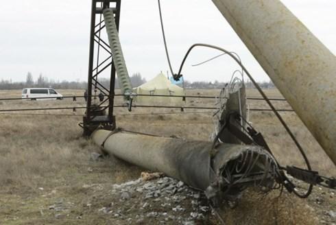 Đường dây điện nối Crimea với Ukraine bị nổ