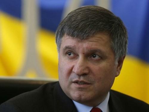 Tình hình Ukraine mới nhất cho biết Bộ trưởng Ukraien tiết lộ Ukraine xây duwjgn quân đội giành lại Crimea