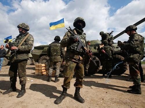 Tình hình Ukraine mới nhất cho biết 6 vạn lính Ukraine đã được triển khai đến chiến trường miền Đông