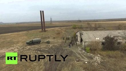 Ly khai miền Đông Ukraine rút pháo vùng giới tuyến