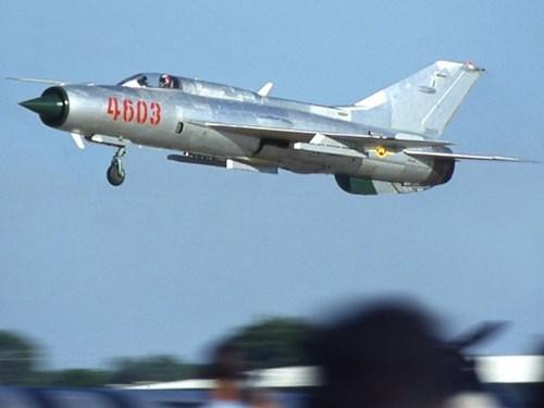 Máy bay chiến đấu MiG-21