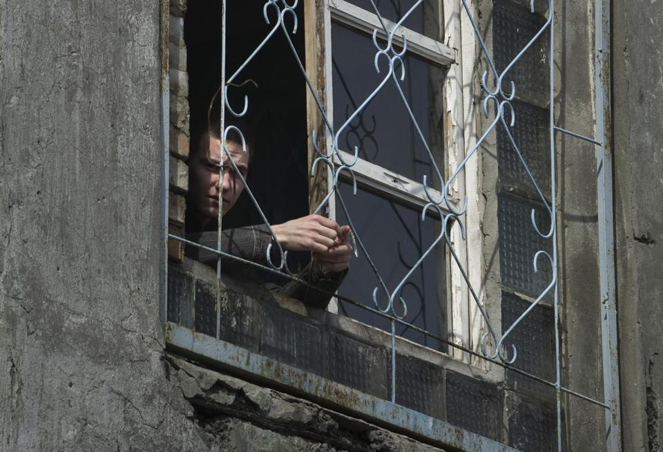 50 tội phạm hình sự đã bỏ trốn sau một vụ bạo loạn trong  tù, theo những tin tức về tình hình Ukraine mới nhất