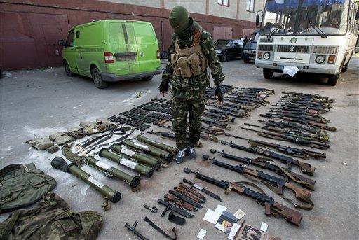 Tình hình Ukraine mới nhất: Strelkov khẳng định quân ly khai không nhận được vũ khí và binh lính từ Nga