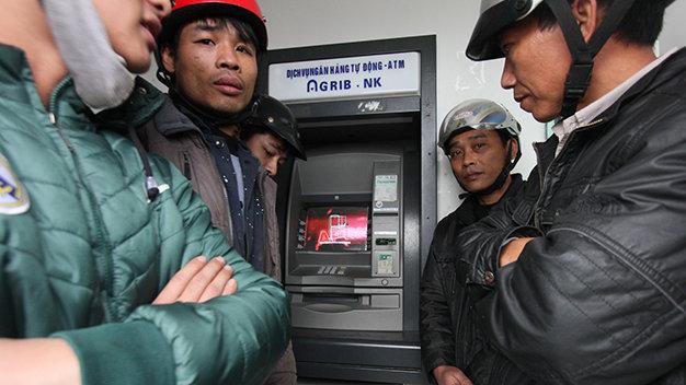 Nhiều máy ATM  hết tiền, ngưng giao dịch hoặc giao dịch không thành công