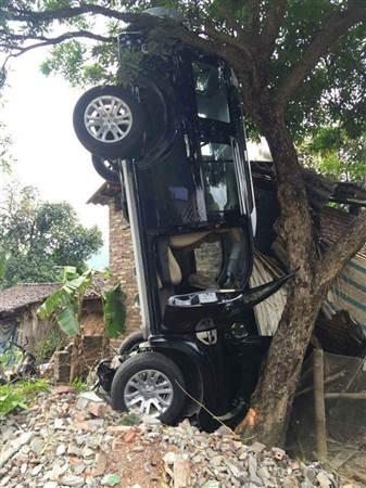 Hiện trường vụ tai nạn do ông Lãnh Đức Dũng, Bí thư Huyện ủy Hà Quảng gây ra