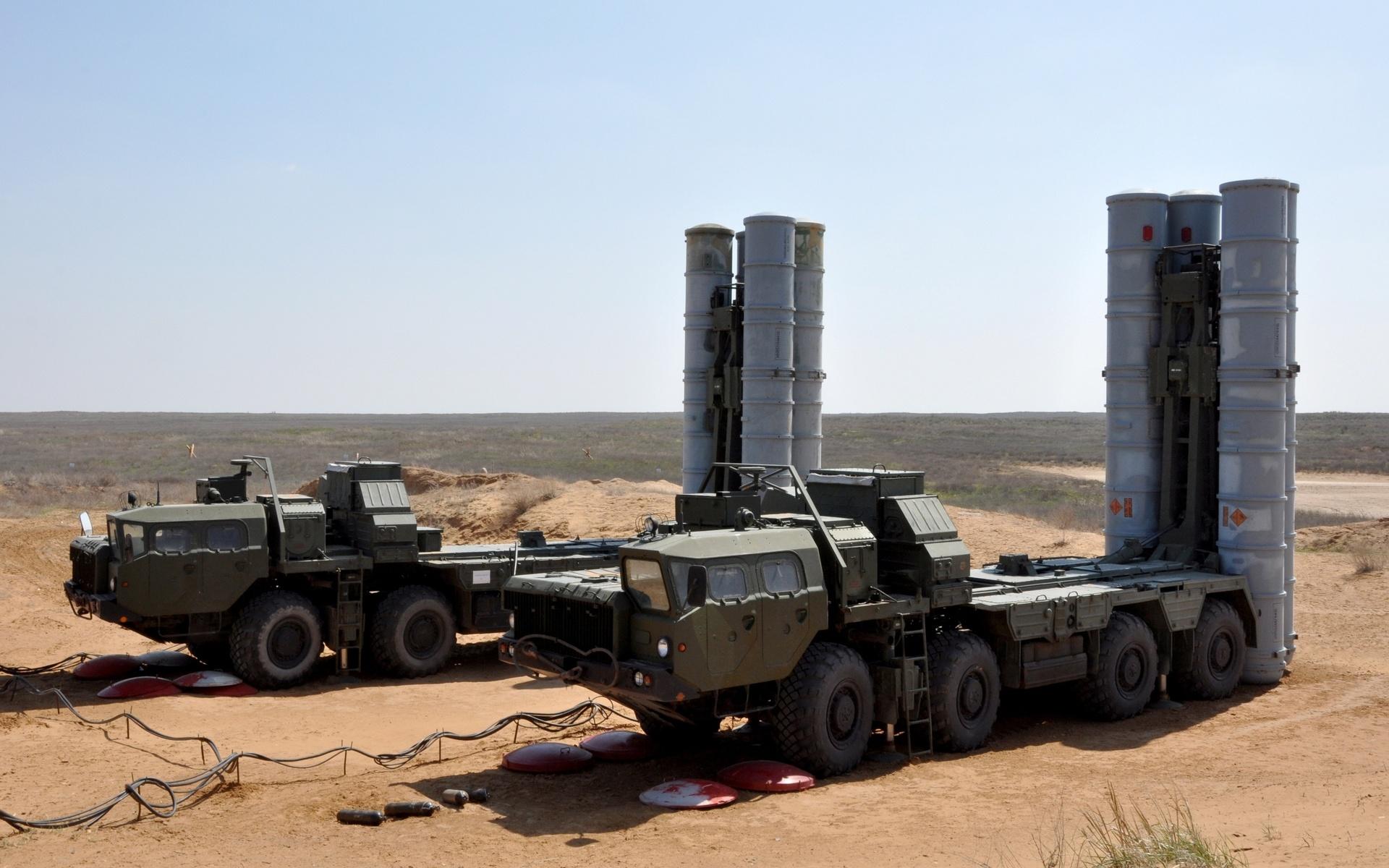 Tổ hợp tên lửa S-300 của Nga có nhiều tính năng vượt trội và là hệ thống chống máy bay mạnh nhất hiện nay