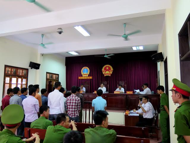 Quang cảnh tại phiên hòa sơ thẩm