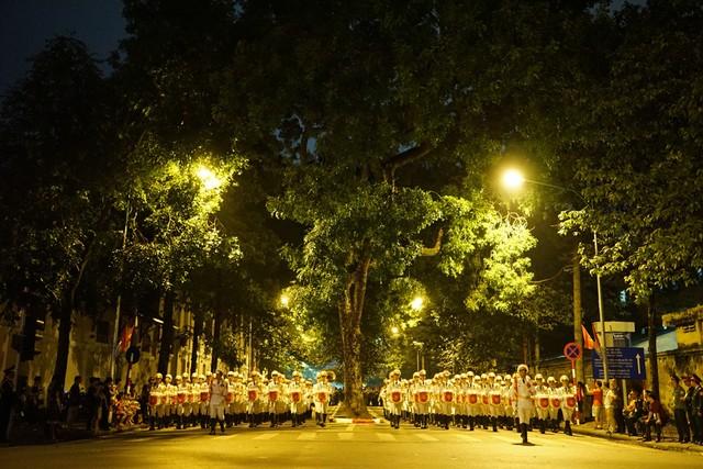 Trong buổi lễ mít tinh có khoảng 35.000 người và hàng nghìn phương tiện hoạt động qua địa bàn 23 quận, huyện, thị xã. Ảnh Dân Trí