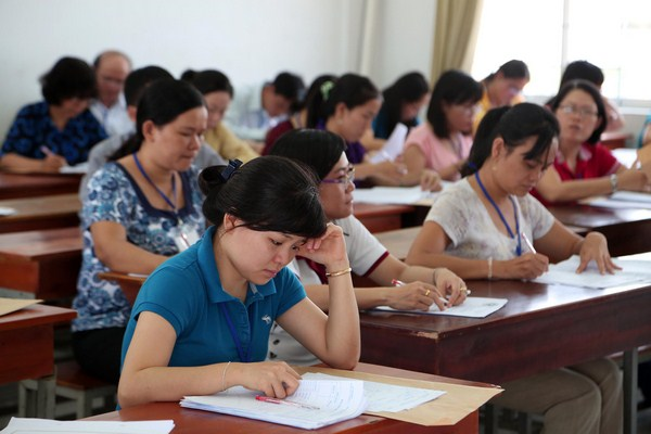 Các hội đồng coi thi đang gấp rút tiến hành chấm điểm thi THPT 2016
