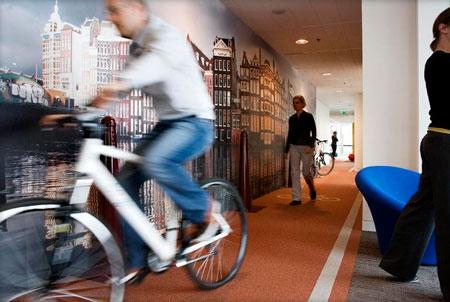 Nhân viên Google tại Hà Lan có thể đạp xe đạp trong văn phòng