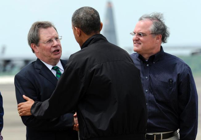 tổng thống obama chứng kiến hậu quả của vòi rồng