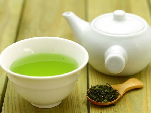Uống 6 cốc trà xanh mỗi ngày sẽ giúp giảm mỡ bụng