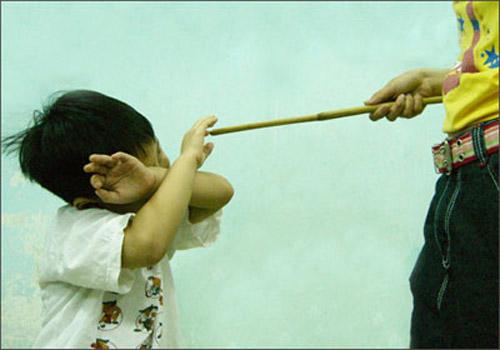 Hiện cơ quan chức năng địa phương đang củng cố hồ sơ vụ trẻ bị bạo hành đến dập gan