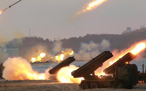 Triều Tiên triển khai 300 giàn phóng tên lửa dọc biên giới Hàn Quốc. Ảnh minh họa : Reuters/KCNA
