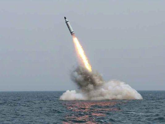Quân đội Hàn Quốc cho biết Triều Tiên phóng tên lửa đạn đạo liên tiếp ra biển Nhật Bản