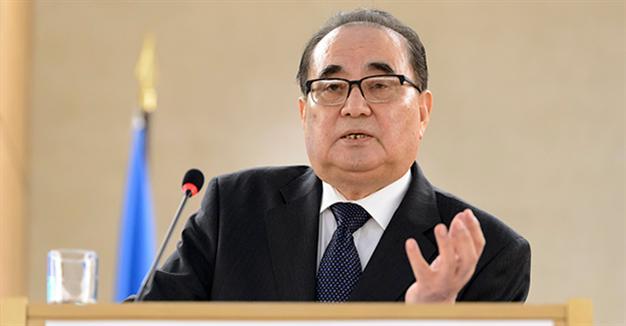Ngoại trưởng Triều Tiên Ri Su Yong tuyên bố nước này sẽ ngừng thử hạt nhân nếu Mỹ-Hàn ngừng tập trận chung