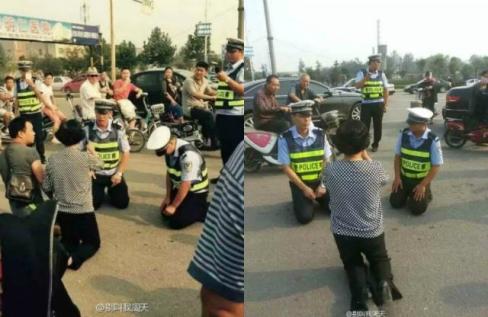 CSGT Trung Quốc gây bất ngờ khi cũng quỳ gối khi người vi phạm quỳ