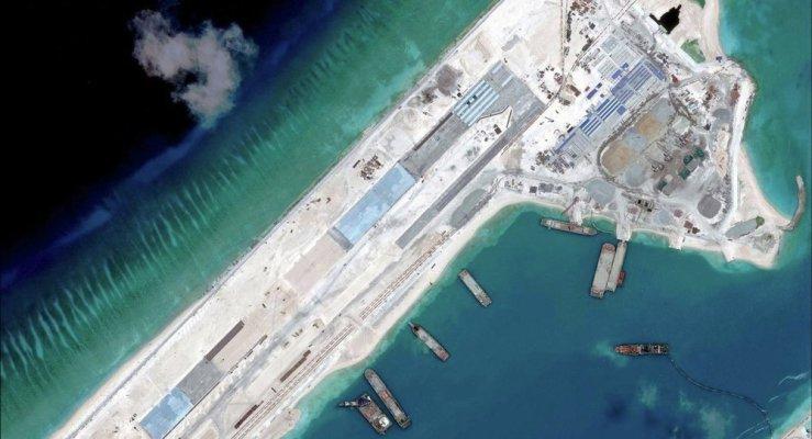 Trung Quốc chuyển vũ khí ra biển Đông
