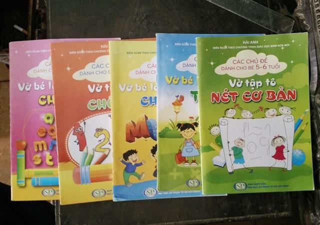 Mỗi bộ sách cho trẻ mầm non mà trường Thiệu Hợp bán cho học sinh có giá 75.000 đồng