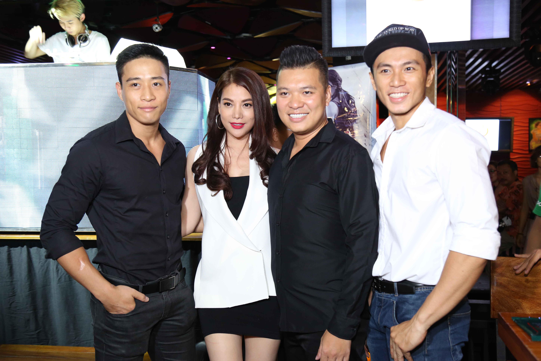 Trương Ngọc Ánh trong buổi tiệc mừng đóng máy bộ phim điện ảnh hành động Truy sát.