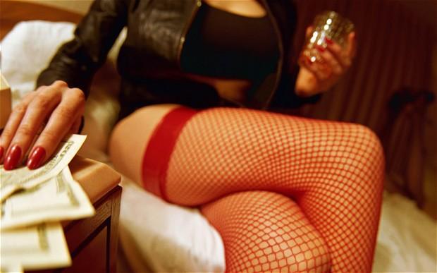 Hai 'tú bà' xinh đẹp này thường tổ chức 'sex tour' cho gái mại dâm cao cấp và các đại gia