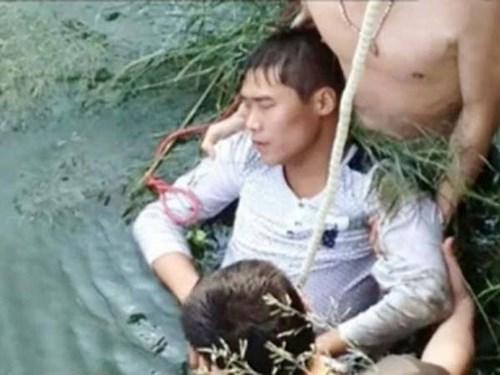Chú rể Kang Hu quyết tự tử ngay sau khi thấy mặt cô dâu của mình
