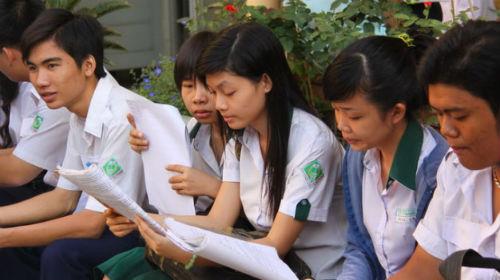 Sau quy chế tuyển sinh Đại học 2015, học sinh chỉ tập trung ôn thi trong sách giáo khoa