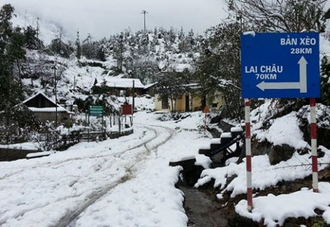 Khu vực các cung đường núi dẫn tới Lai Châu tuyết cũng đã phủ trắng. Ảnh Sưu tầm