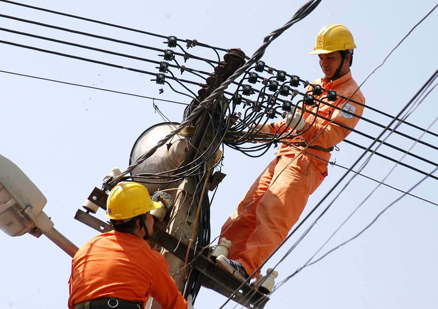Tăng giá điện: EVN đã có lãi chút ít