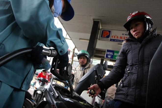 xăng dầu thế giới, giảm xăng dầu, bộ công thương, bộ tài chính, điều chỉnh giá xăng