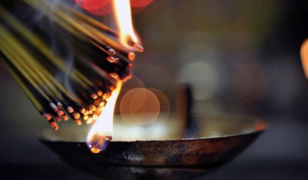Người dùng cần cẩn trọng khi lựa chọn hương để giảm thiểu nguy cơ ung thư phổi hoặc các chứng bệnh về đường hô hấp khác