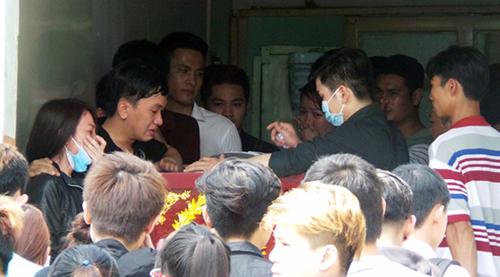 nhiều bạn bè không khỏi bất ngờ và sốc trước sự ra đi đột ngột của Quang