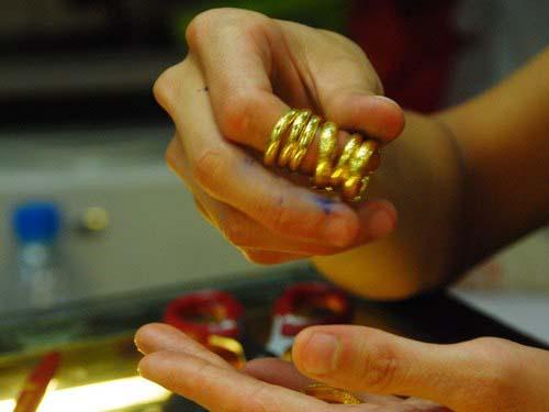 vàng.vietq.vn.jpg