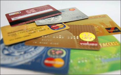 Chuyên gia lý giải, dùng thẻ  ATM giả rút được tiền do bản chất của chúng là thẻ tín dụng