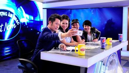 Đơn vị sản xuất Việt Nam Idol 2015 vẫn tiếp tục tiến hành các khâu cuối cùng của vòng tuyển sinh