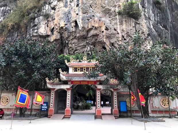 chùa hang son uông bí