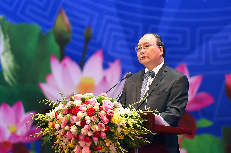 Thủ tướng Chính phủ Nguyễn Xuân Phúc phát biểu khai mạc Hội nghị của Thủ tướng Chính phủ với doanh nghiệp lần thứ hai, năm 2017