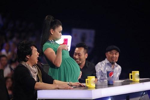 Thu Minh cho biết cô muốn truyền cảm hứng cho các bà bầu khác thông qua việc nhận lời làm giám khảo Vietnam Idol 2015