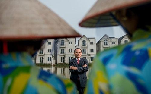 Ông Phạm Nhật Vượng, người đầu tiên lọt vào danh sách tỷ phú thế giới do tạp chí Forbes Mỹ bình chọn - Ảnh: Forbes.