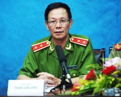 Trung tướng Phan Văn Vĩnh tại buổi giao lưu với Báo Công an nhân dân (Ảnh: CAO)