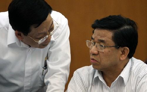 Chủ tịch TP Hà Nội ông Nguyễn Thế Thảo trao đổi với cán bộ lãnh đạo