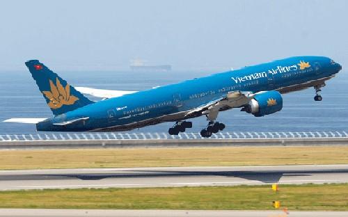Sau tái cơ cấu, ngành nghề Kinh doanh chính của Vietnam Airlines là vận chuyển hàng không đối với hàng khách, hành lý, hàng hóa, bưu kiện, bưu phẩm, thư; hoạt động hàng không chung...