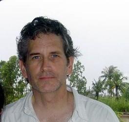"""Kyle Horst trong chuyến làm phóng sự cho ABC NEWS """"Nightline"""" ở huyện Cái Nước, tỉnh Cà Mau."""